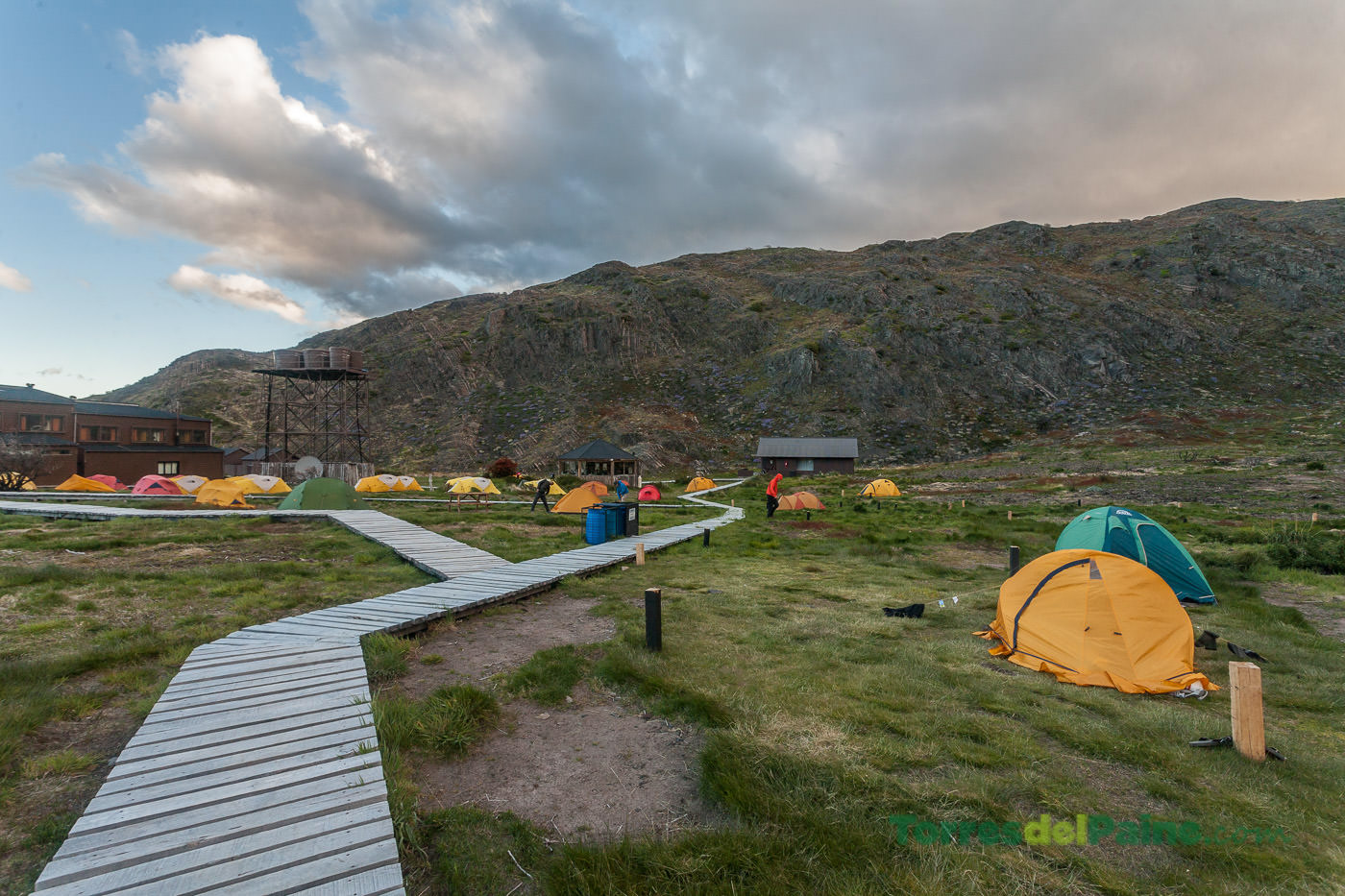 Circuito W Torres Del Paine Camping : Paine grande shelter and camping torresdelpaine